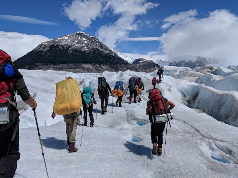 The_group_crossing_the_Nef_Glacier