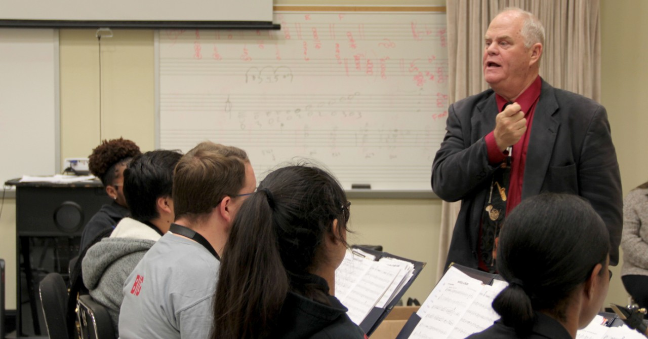 Dr. Dayl Burnett teaches Martinsville High School music students during a workshop at Radford University