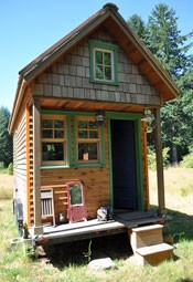 Tiny house in Portland, courtesy of http://www.flickr.com/photos/8760851@N05