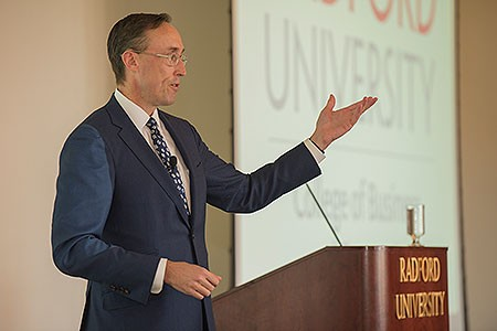 Alumnus Jamie Webster '98 delivered the keynote address at the COBE BB&T Global Capitalism Lecture Series Luncheon.