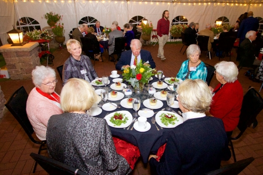 Alumnae and guests at the Golden Reunion dinner.